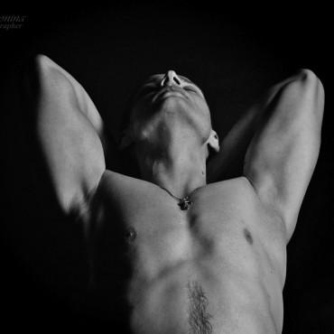 Альбом: Фотосъемка ню, 28 фотографий