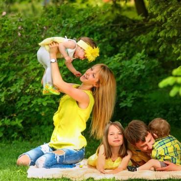 Альбом: Семейная фотосъемка, 30 фотографий